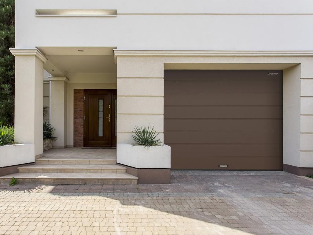секционни гаражни врати Doorhan